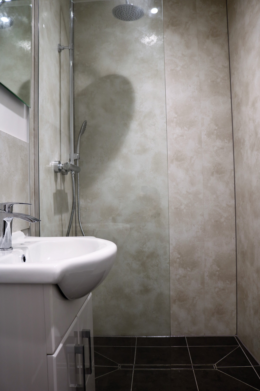 room2_bath
